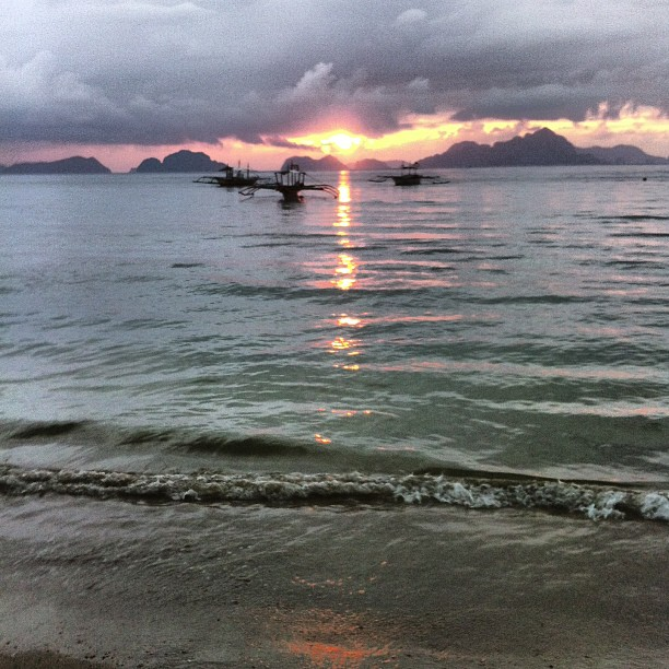 Three boats and a Sunset. El Nido