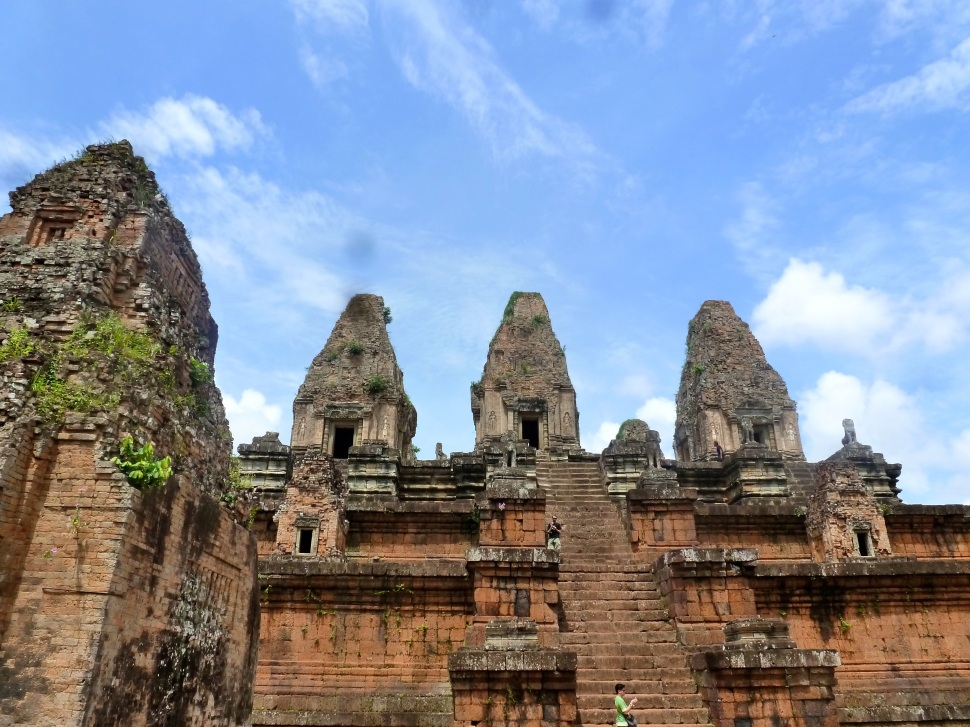 Looong Way Up, Pre Rup Temple
